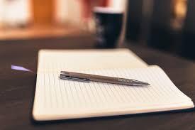 Un cahier et uncrayon
